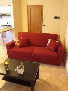 Il salotto con il divano letto